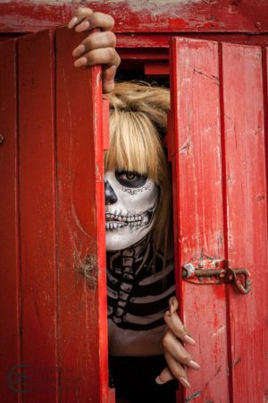 El Dia de los Muertos - Day of the Dead - (22) - Undead girl in a box.jpg